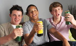 Почему подростки становятся пивными алкоголиками?